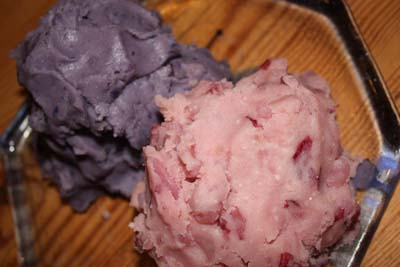 Yup, naturally lavender and pink mashed potatoes. I left all the skins on too.  Note that these potatoes cook faster than those regular ole' Russets.
